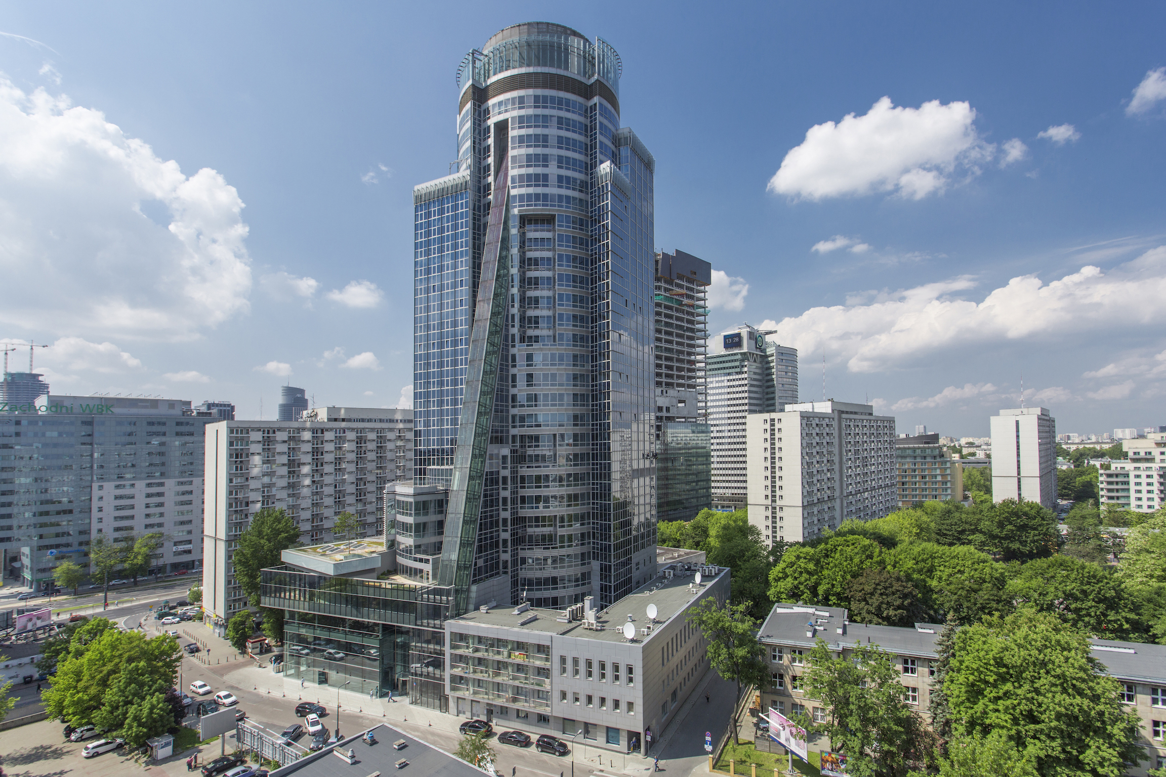 SPEKTRUM_Tower