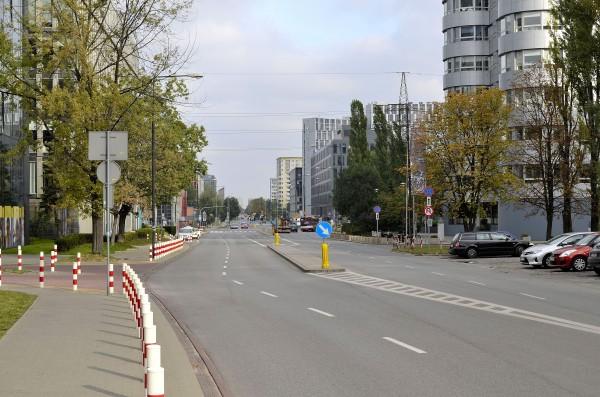 Ulica_Domaniewska_w_Warszawie