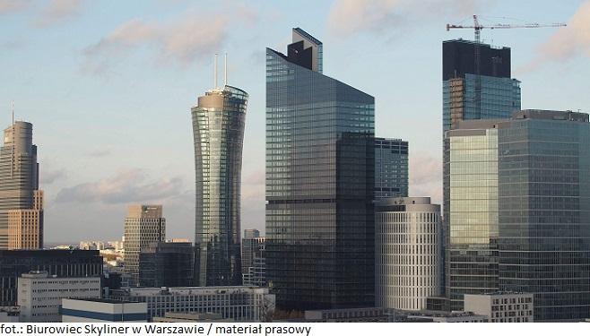 Biurowiec Skyliner w Warszawie nabrał już finalnych kształtów