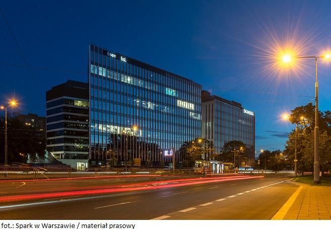 Skanska sprzedaje budynek biurowy kompleksu Spark w Warszawie  za 70 mln euro