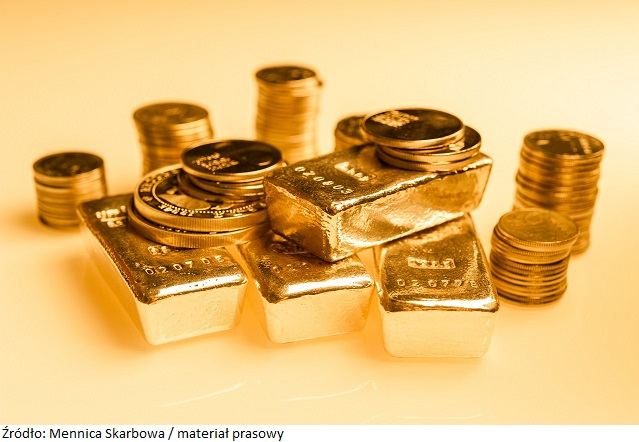 Gold bars and stack of gold coins macro. Rows of coins and gold ingots for finance and banking concept. Economy trends background for business idea. Trade in precious metals. Close up,Selective focus.