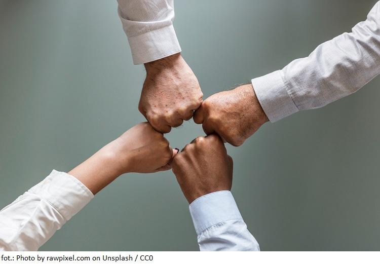 Firma Rodzinne Inwestycje sponsorem Mazurskiego Ochotniczego Pogotowia Ratunkowego
